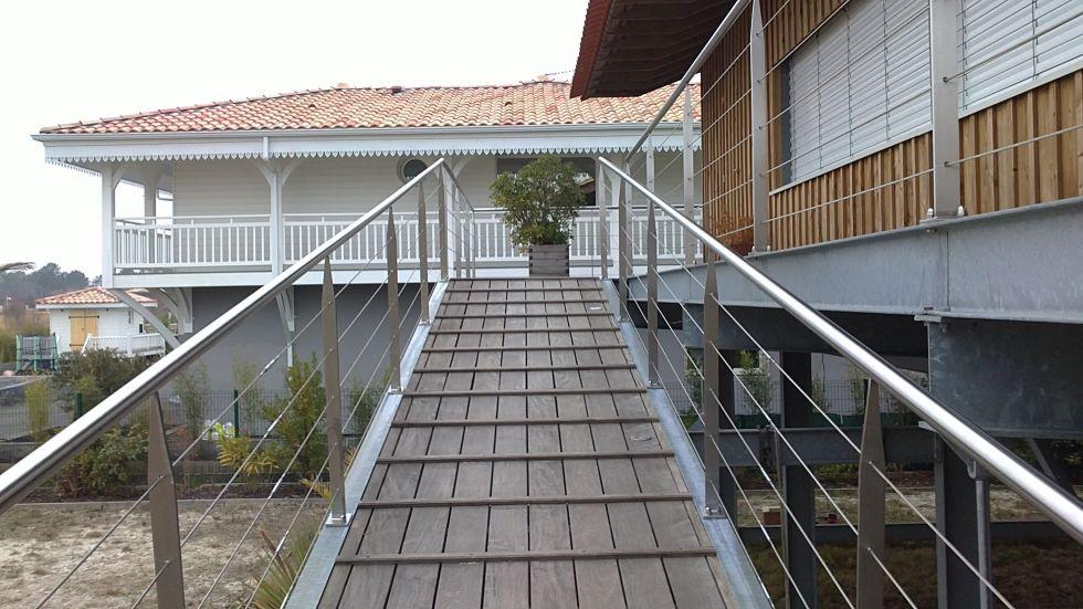 Construction maison ossature bois bassin d 39 arcachon fabricant maison bois martillac laflaquiere - Fabrication maison ossature bois ...