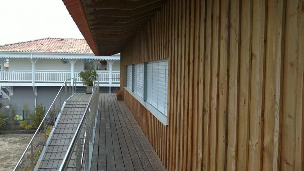 Bardage maison ossature bois voici une des premires - Couvre joint bois ...