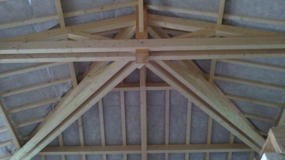 Realiser une charpente en bois sur mesure pour maison for Realiser une ossature bois